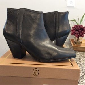 ASH Olivia black leather bootie